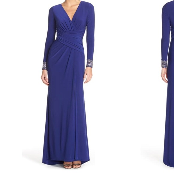 Vince Camuto Dresses & Skirts - Vince Camuto Embellished Sleeve Jersey Gown, sz 10